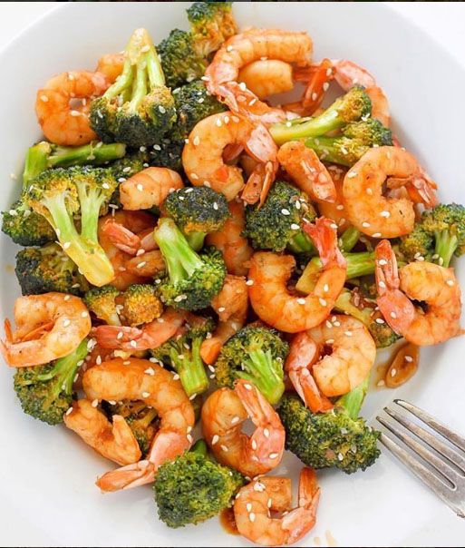 20-Minute Skinny Sriracha Shrimp and Broccoli