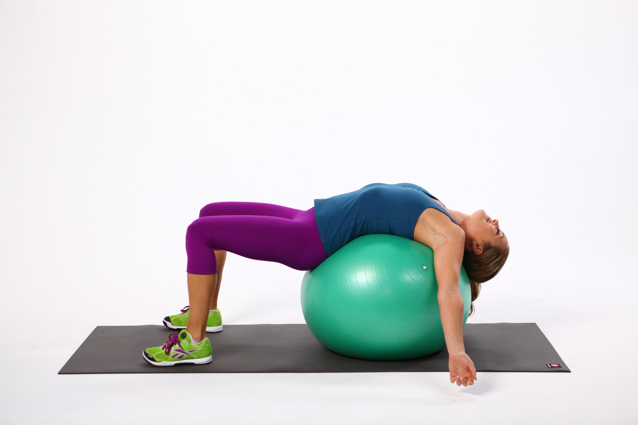 Exercises 4 with an aerobic ball